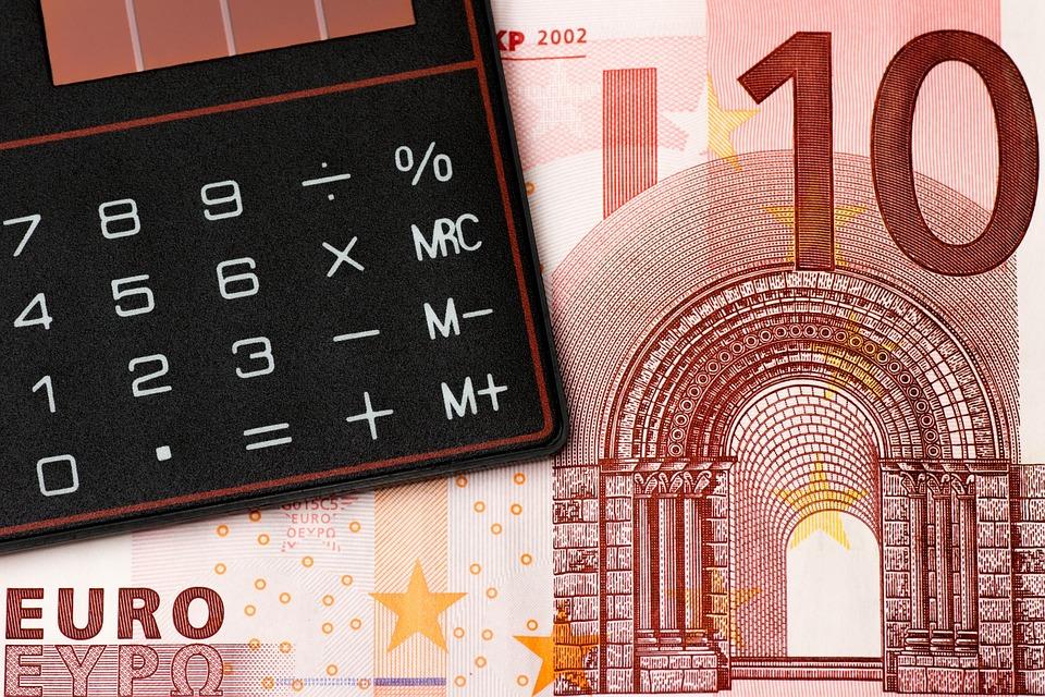 メリット③:青色事業専従者給与を必要経費に算入できる