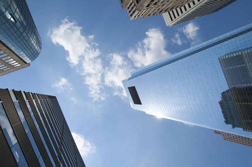 利益重視の中古物件と満足度重視の新築物件を徹底比較