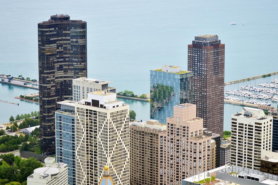 相続税対策でタワーマンションと収益物件ではどちらが有利か?