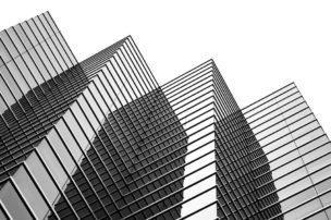 税金の先送りと売却時期の調整で法人経営を安定させる方法