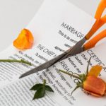 離婚に伴う任意売却と離婚時の共有名義や連帯保証の解消方法