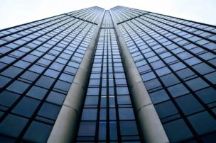 エム・アール・エフ(MRF)の不動産担保ローンから一括返済や競売申立されても任意売却で家を守った3つの方法